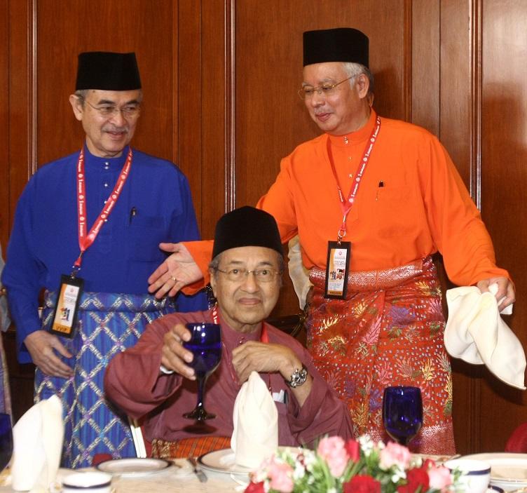 UMNO21112 resized